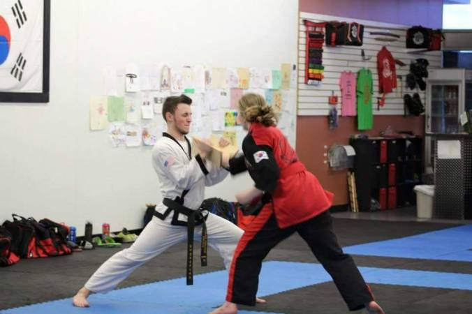 tang soo do board break right handed chop